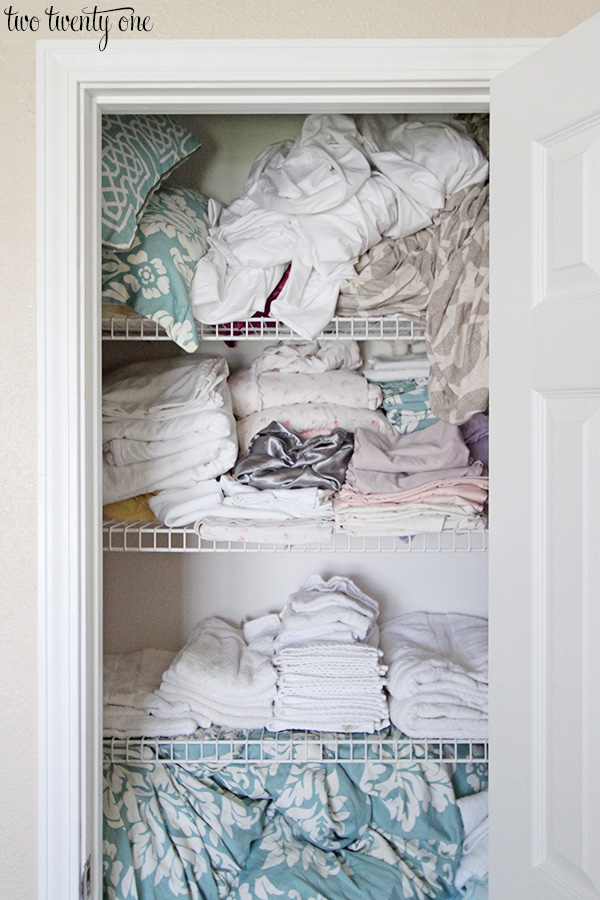 linen closet before 3