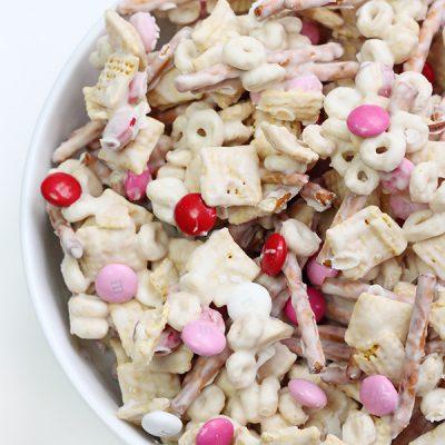 Valentine's Day Snack Mix + Free Printable