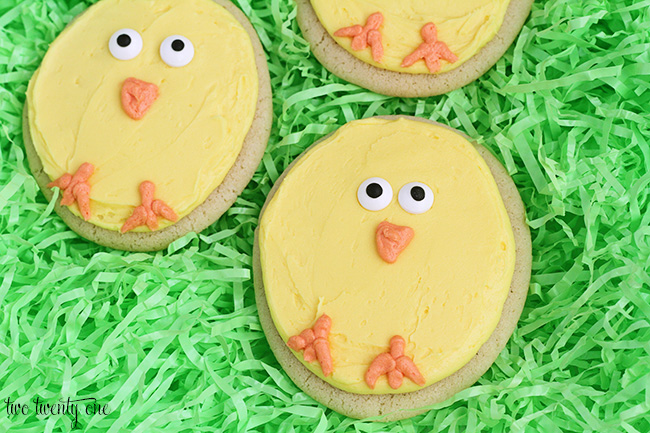 Easy to make chick cookies! Perfect for Easter!