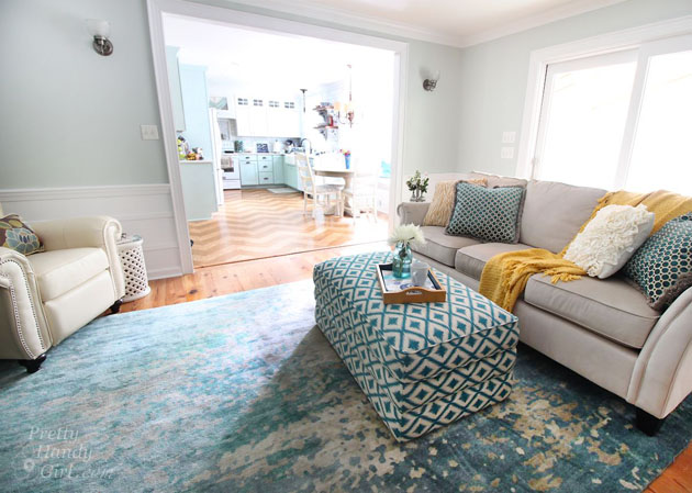 Sherwin Williams Sea Salt in the living room