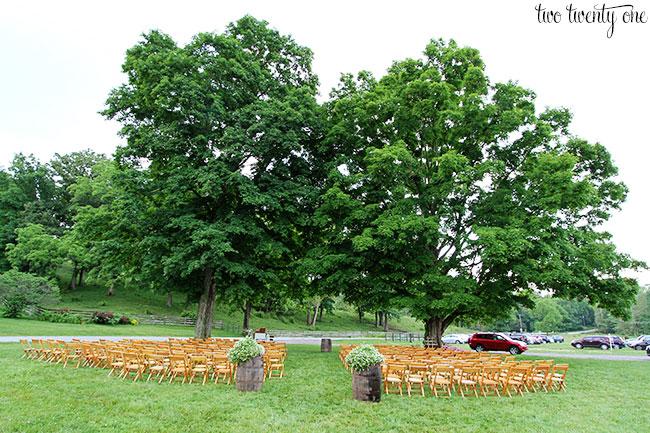 outdoor-wedding-under-trees
