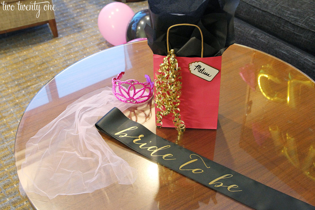 10 tips for planning a successful bachelorette party! Where to find budget-friendly decorations, bachelorette party ideas, bachelorette party games, and more!