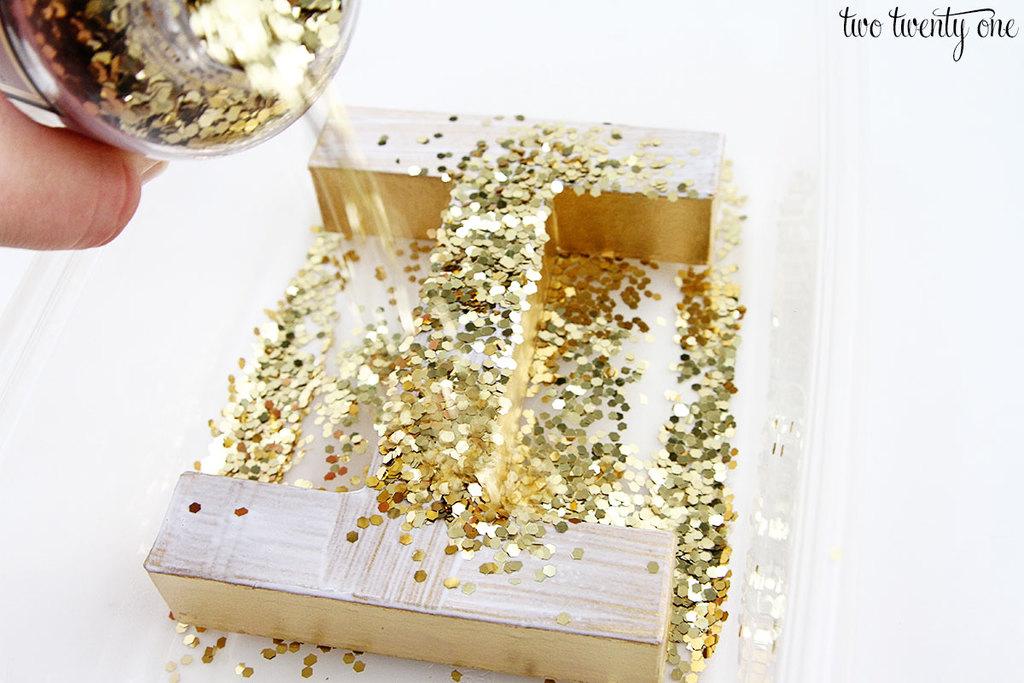 diy-glitter-letters-5