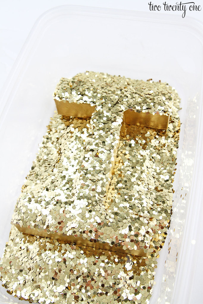 diy-glitter-letters-6