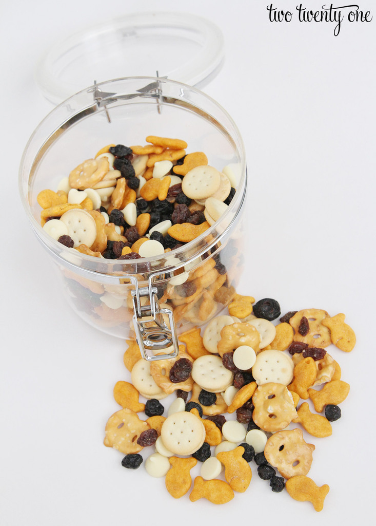 easy-toddler-snack-mix