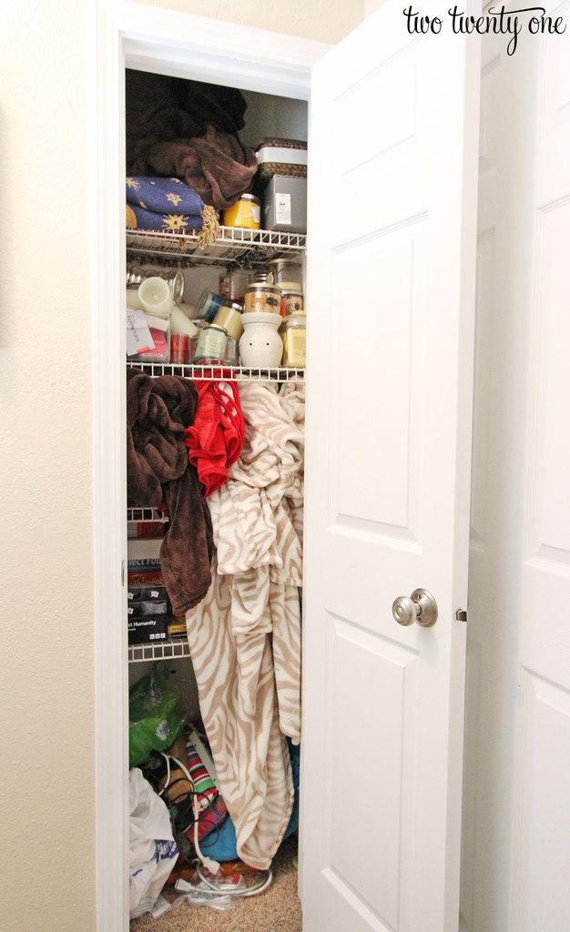 messy-hall-closet-2