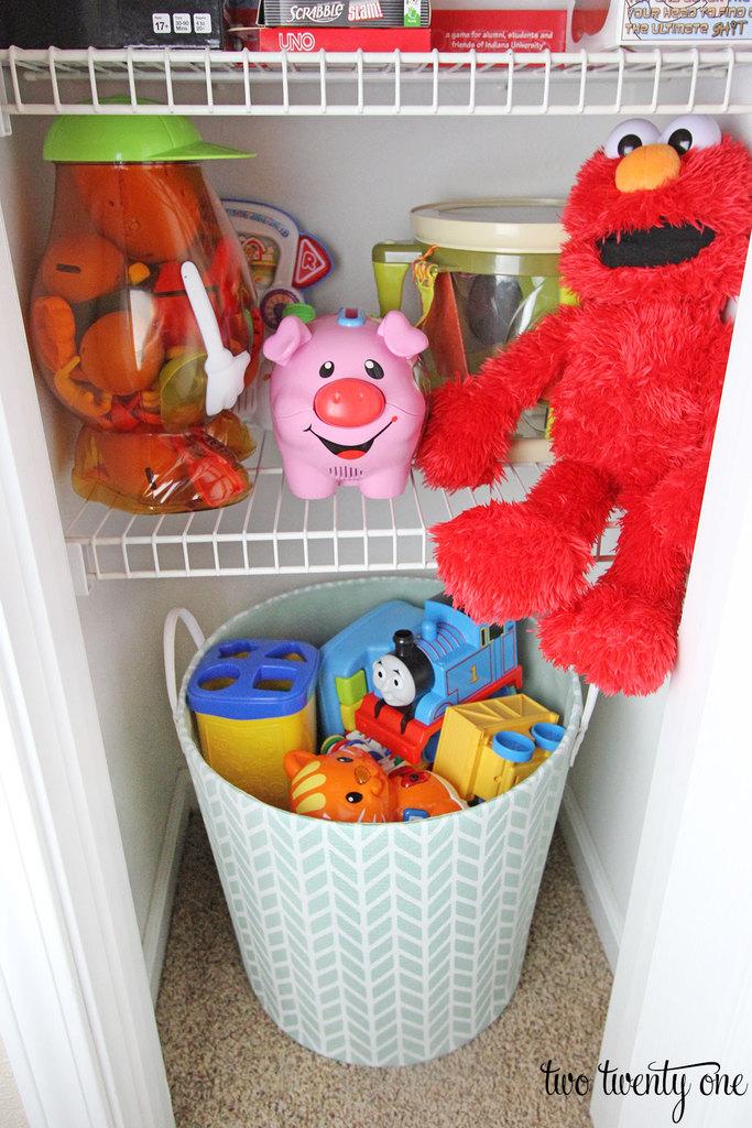 toy-closet