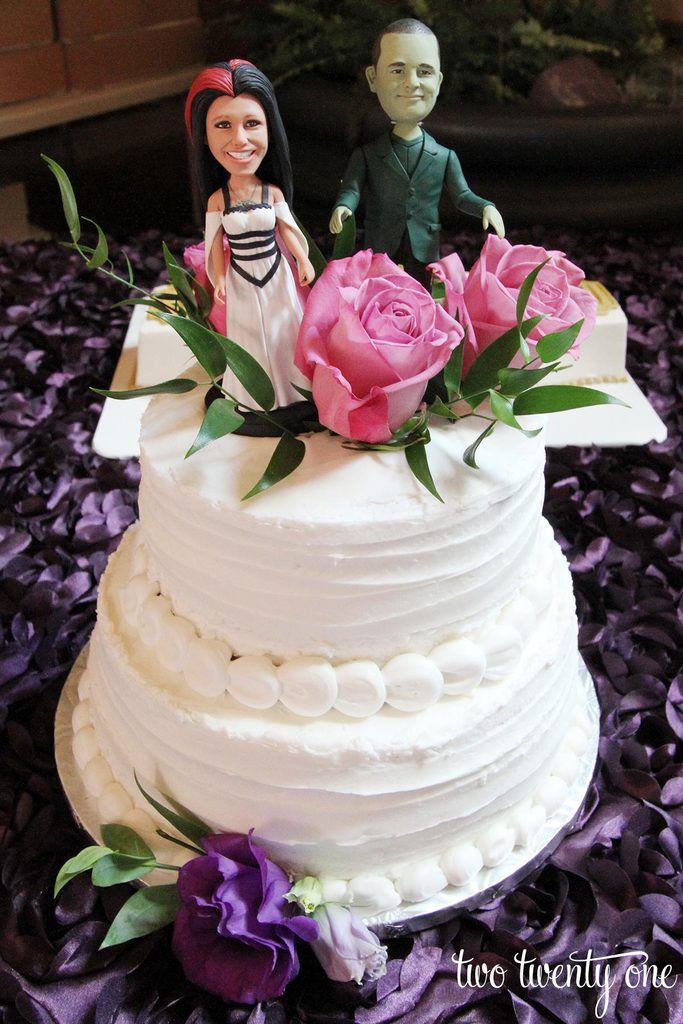 custom-wedding-cake-toppers