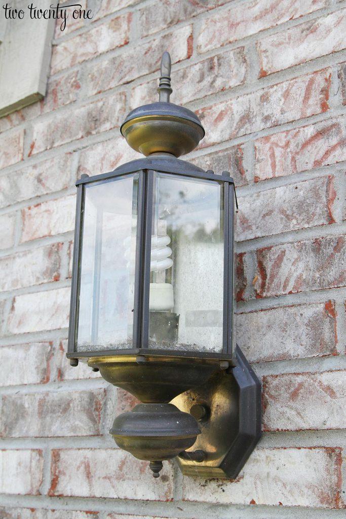 old-outdoor-garage-light