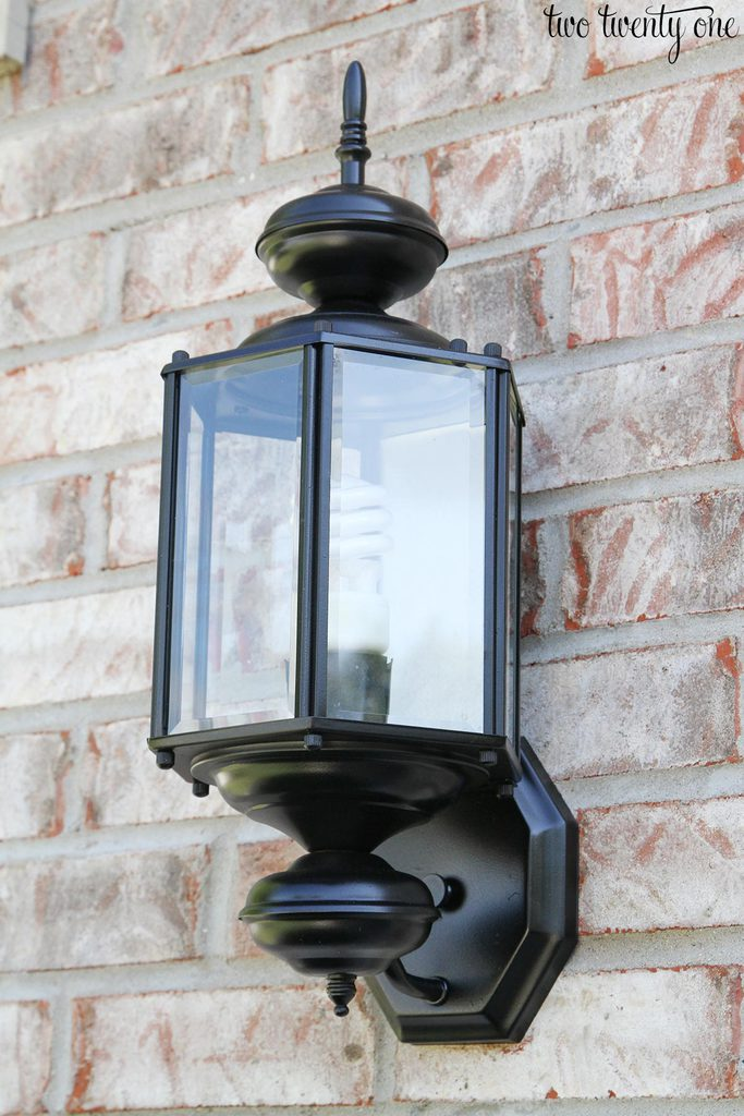spray-painted-outdoor-garage-light