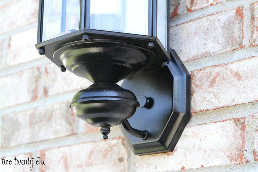 updated-outdoor-garage-light