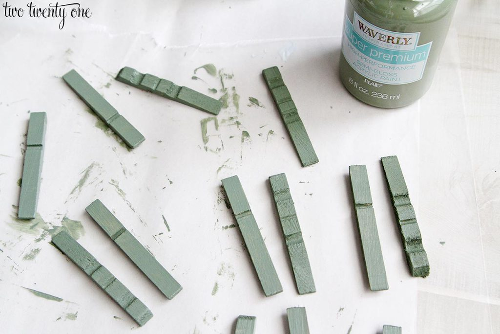 waverly-acrylic-paint-moss
