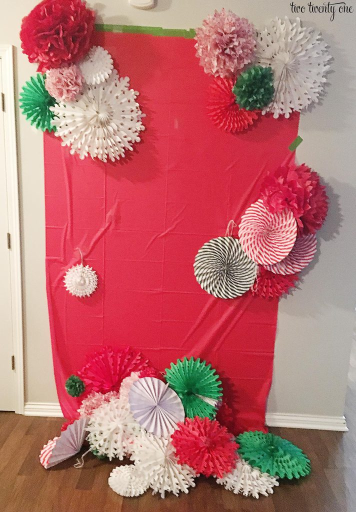 Diy Tissue Paper Pom Pom And Fan Backdrop