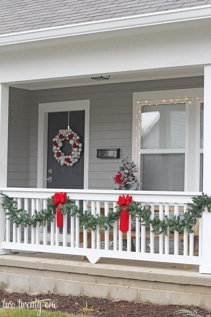 christmas-front-porch-2