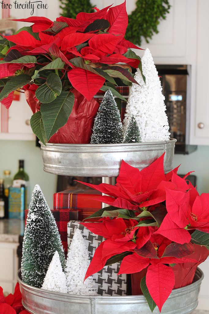 christmas-three-tiered-metal-stand