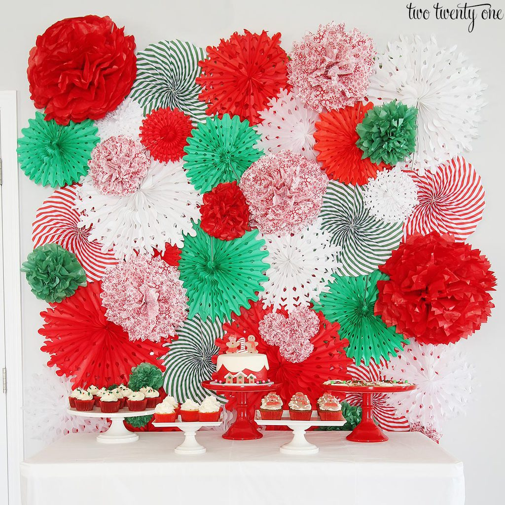 DIY Tissue Paper Pom And Fan Backdrop