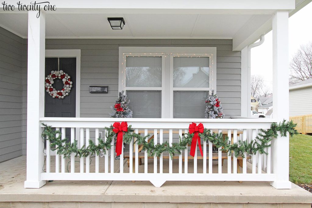 holiday-front-porch-1