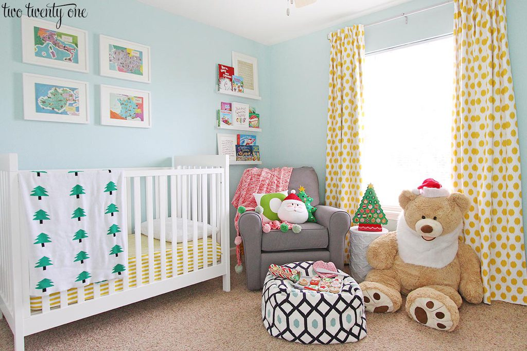 nursery-decorated-for-christmas