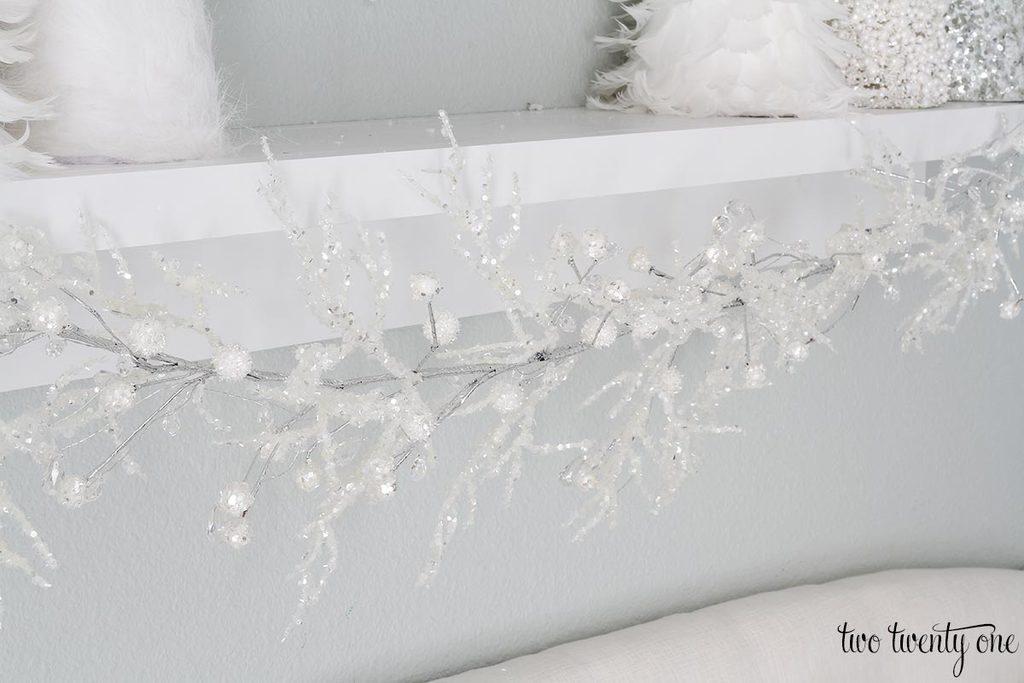 sparkly-garland