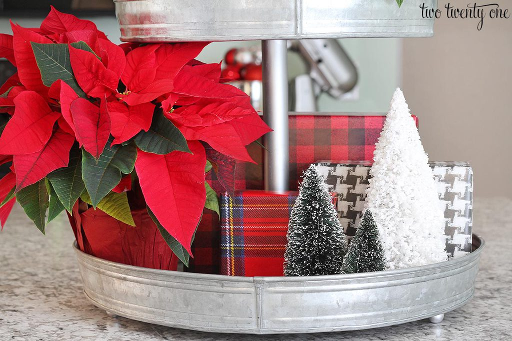 decorate 3 tier kitchen basket for Christmas