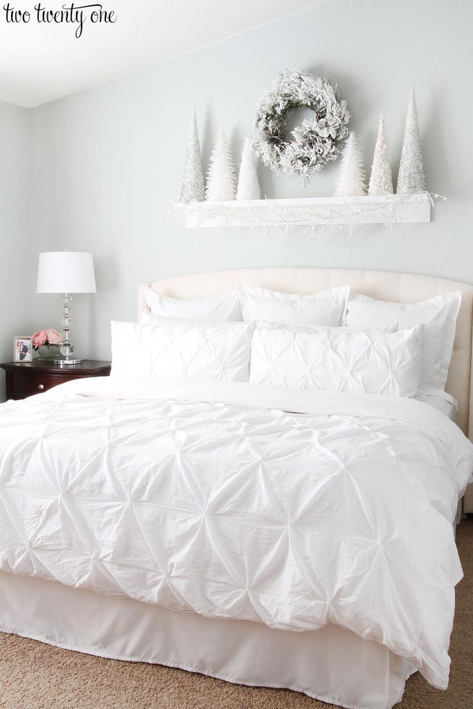 white-christmas-bedroom-1