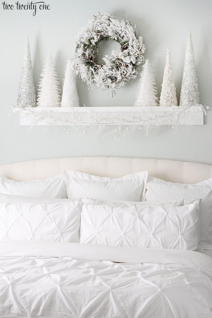 white-christmas-bedroom