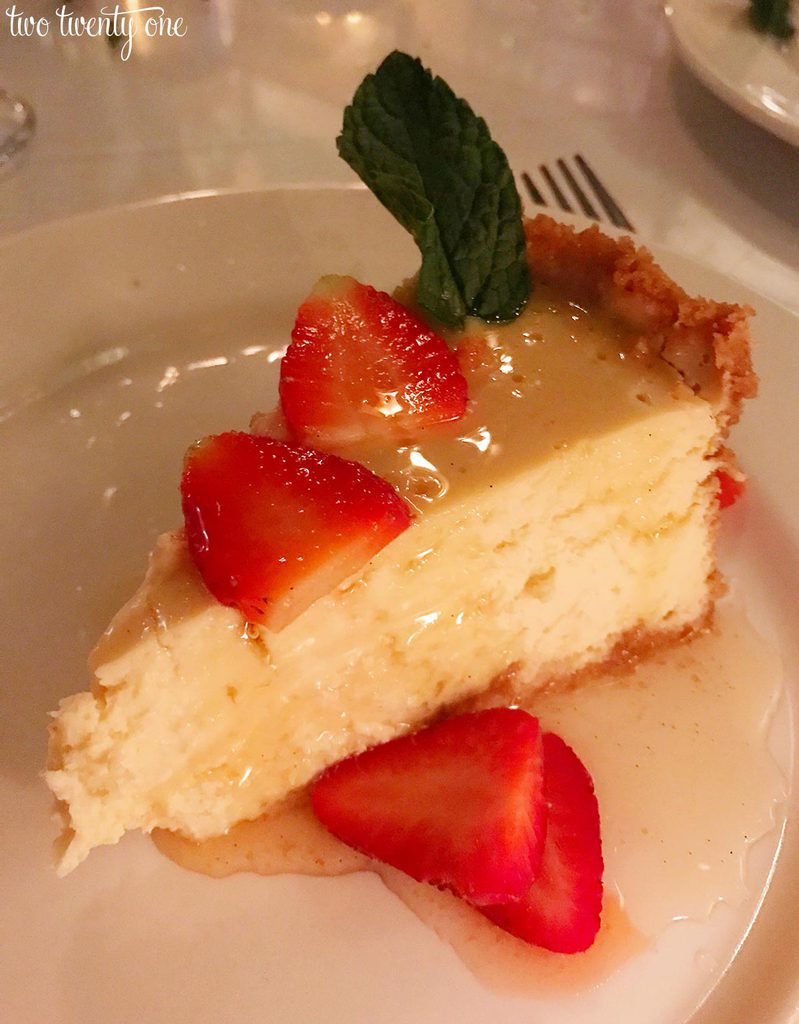 Irene's-creole-cream-cheesecake