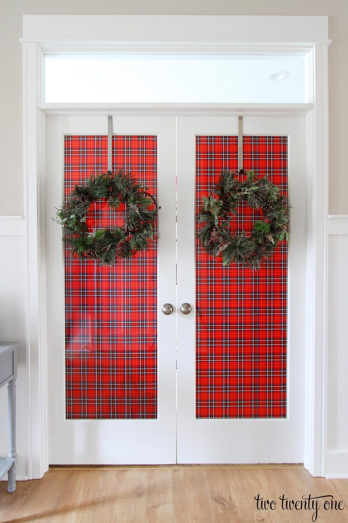 Decorating french doors for christmas for French door decorating ideas