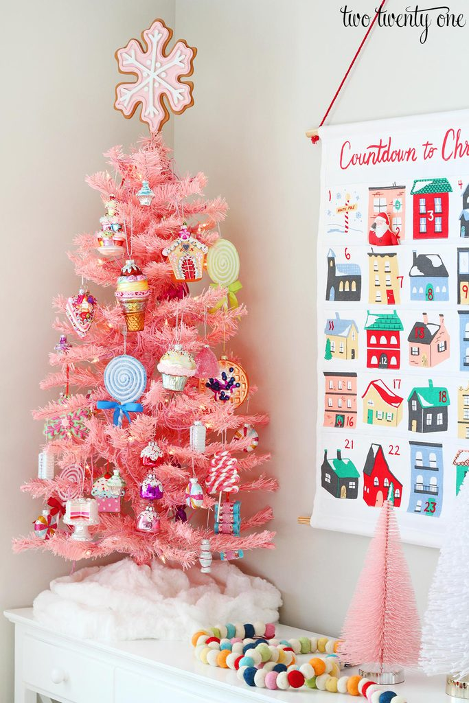 When I Was Looking At The E One Day Thought It D Be An Excellent Location For My Pink Dessert Themed Christmas Tree