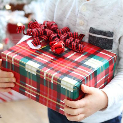 Gift Wrapping 101 – Tips and Tricks