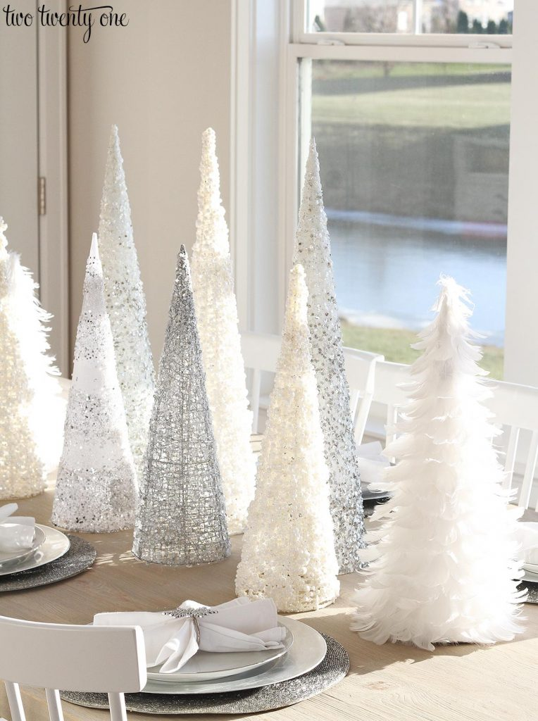 White Amp Silver Christmas Tablescape
