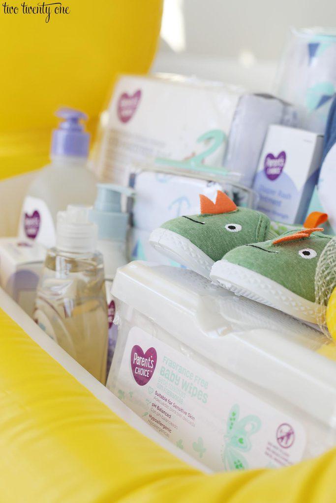 baby shower gift basket. Black Bedroom Furniture Sets. Home Design Ideas