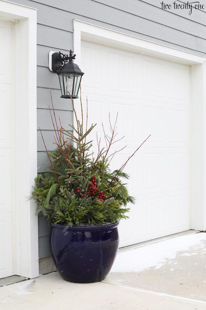 garage door christmas planter