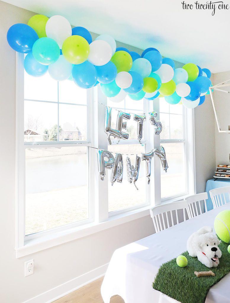 birthday party balloon garland