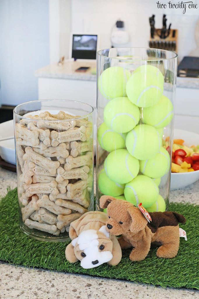 puppy party centerpiece