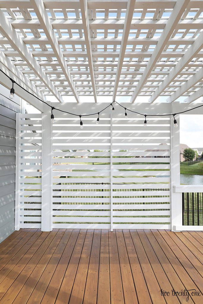 white outdoor privacy screen