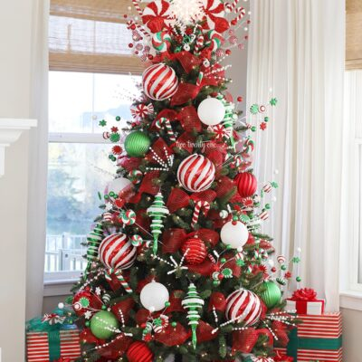 red white and green christmas tree