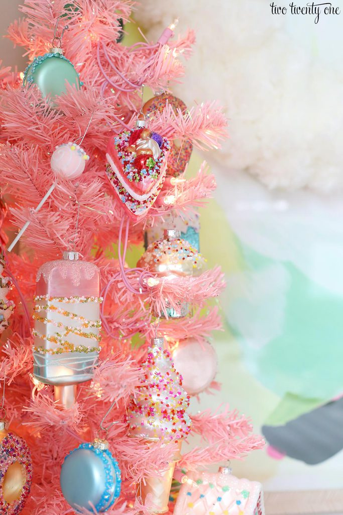 dessert ornaments