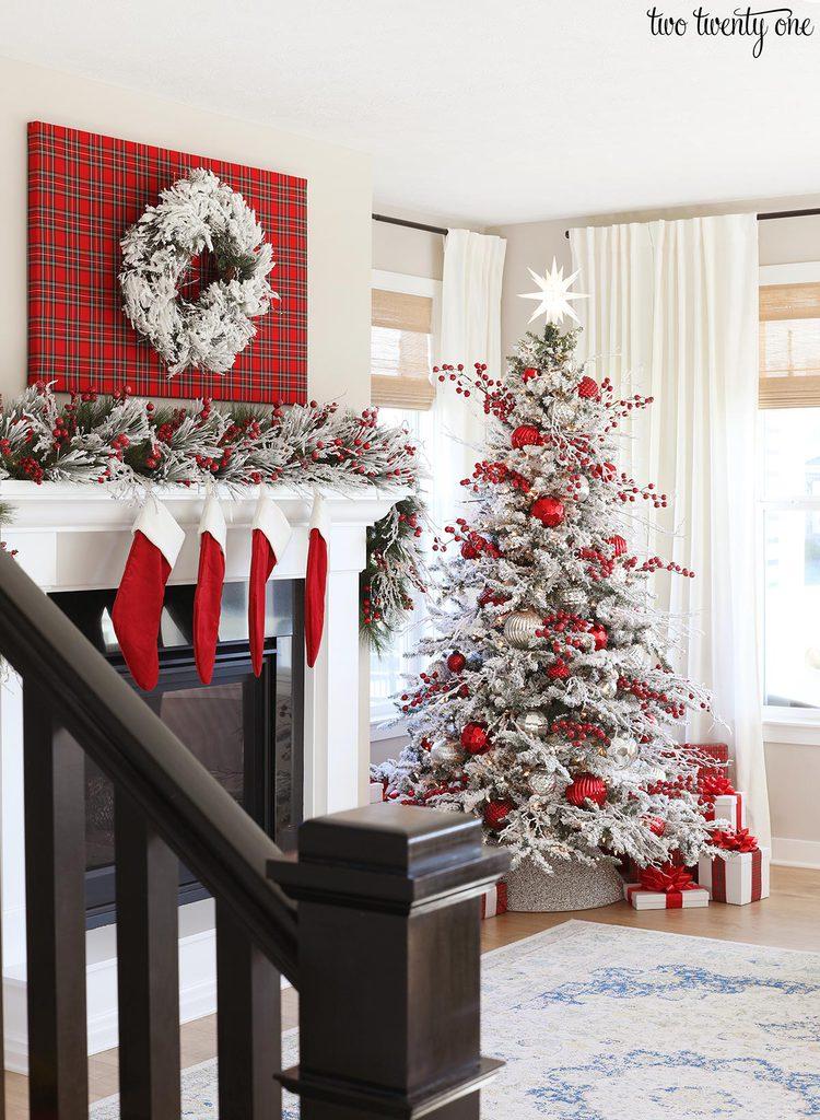 red christmas living room