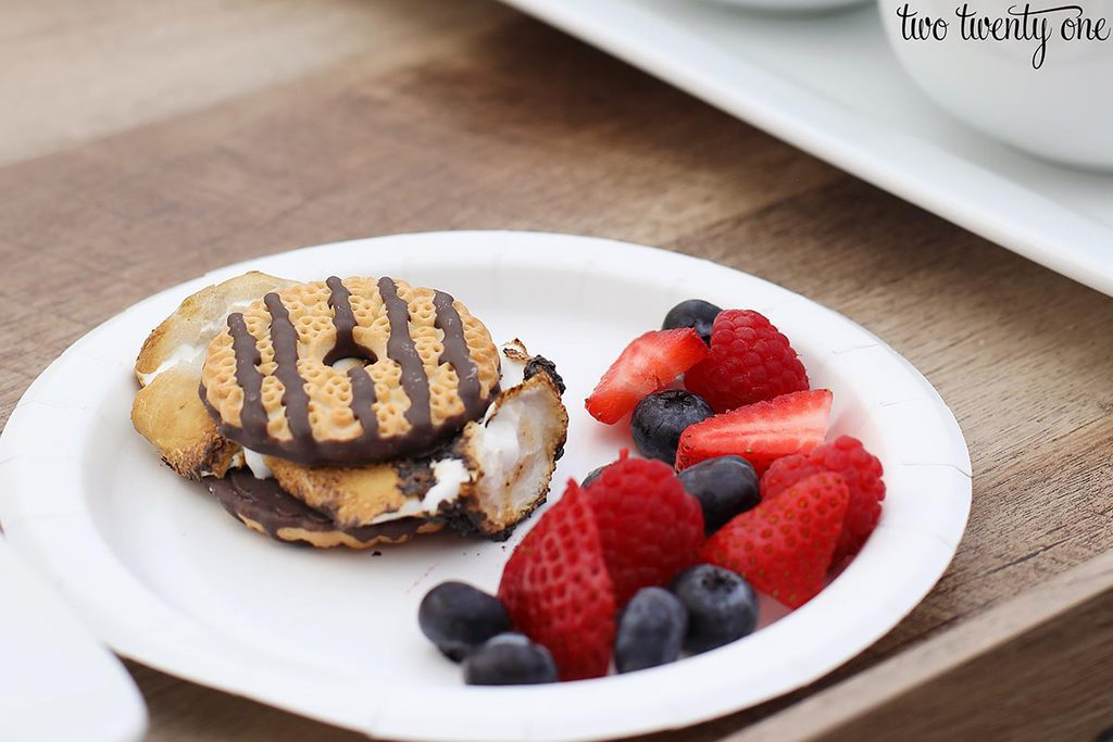 s'more and fruit