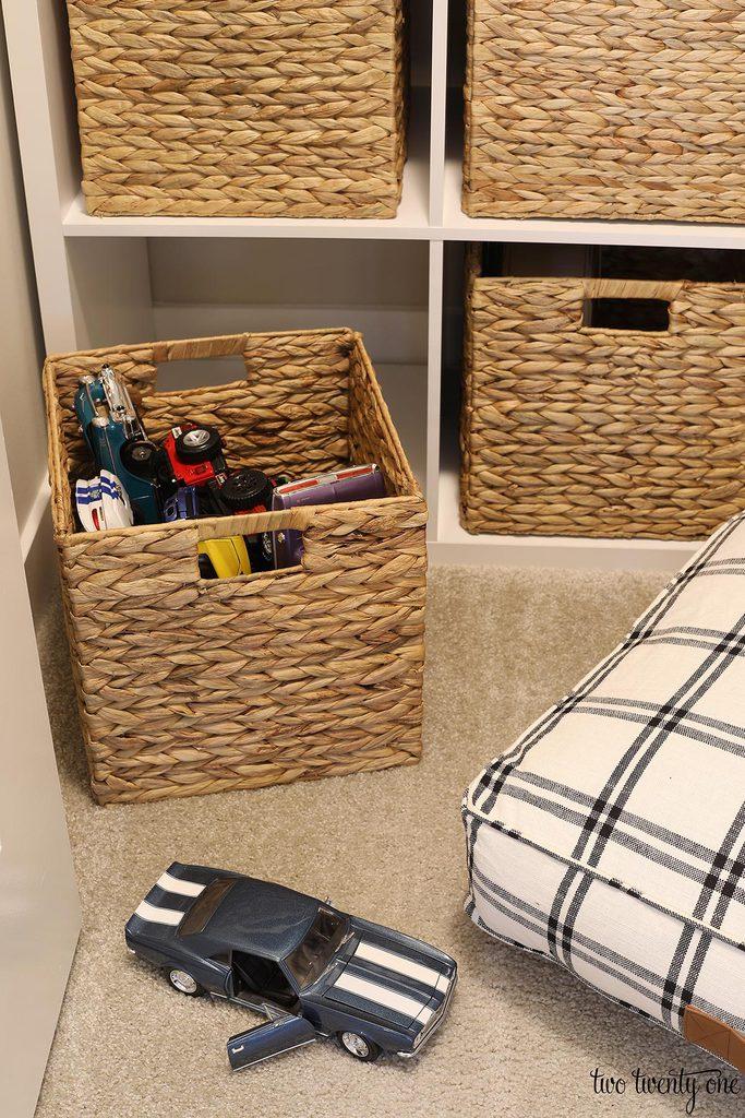 kid closet storage