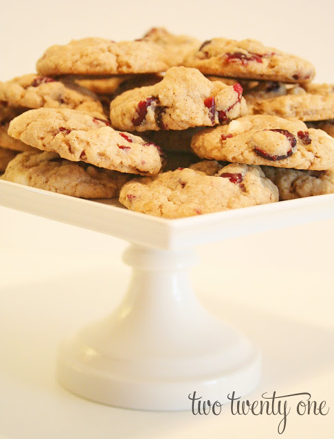 ... Corner: recipe :: white chocolate chip cranberry oatmeal cookies