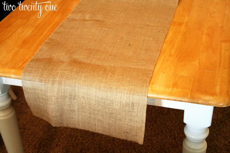 Ruffled Burlap Table Runner {How To Cut Burlap} {DIY}